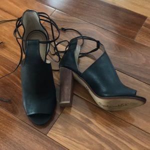 ❌SOLD❌Splendid lace up shoes
